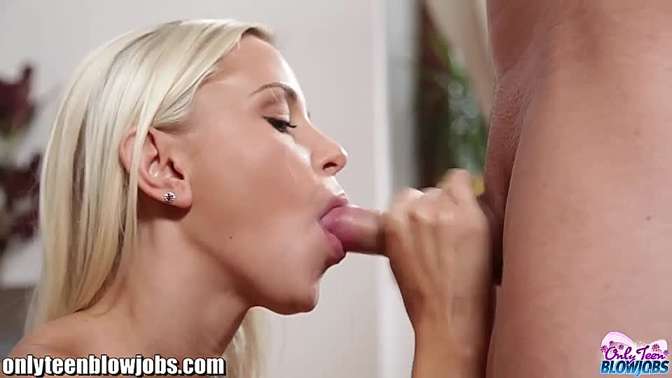 Schöne Blondine Teen Blowjob