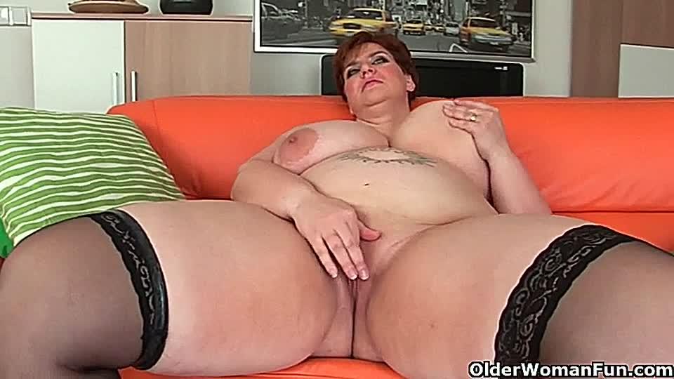 Riesenbusen omas Fiona (25)