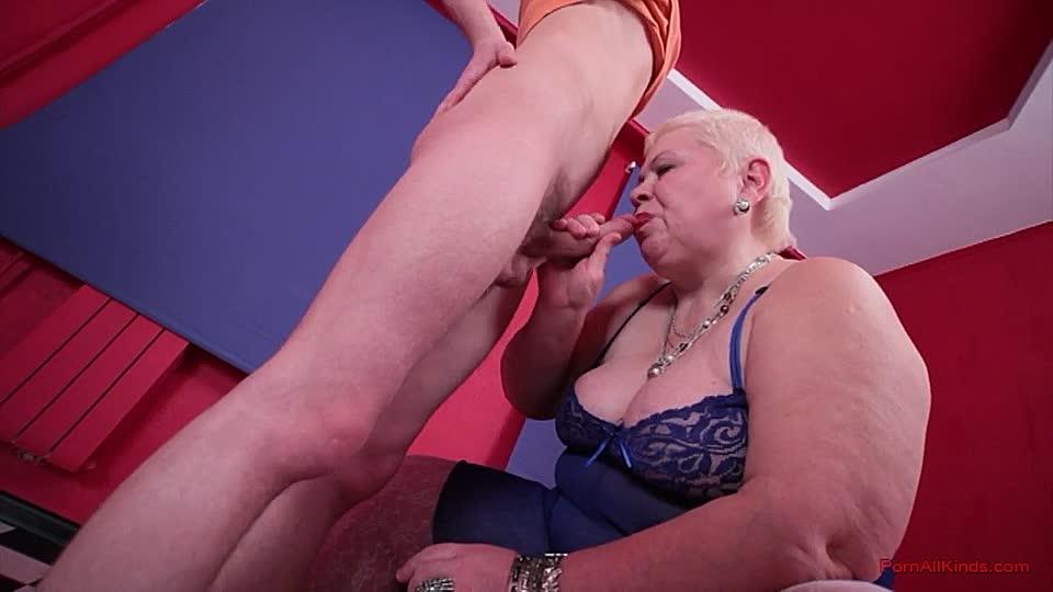 Die blonde Oma und das Jüngelchen