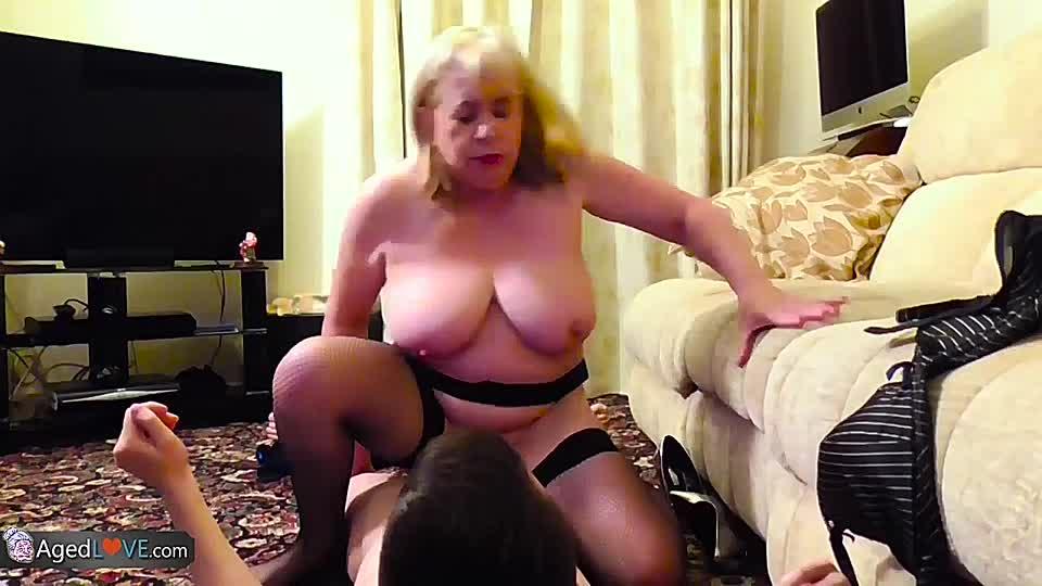 Mollige Oma mit schönem reifen Arsch Mariana fickt jungen Hengst